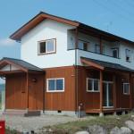 大町市 板張りの家 青い風分譲地の建物